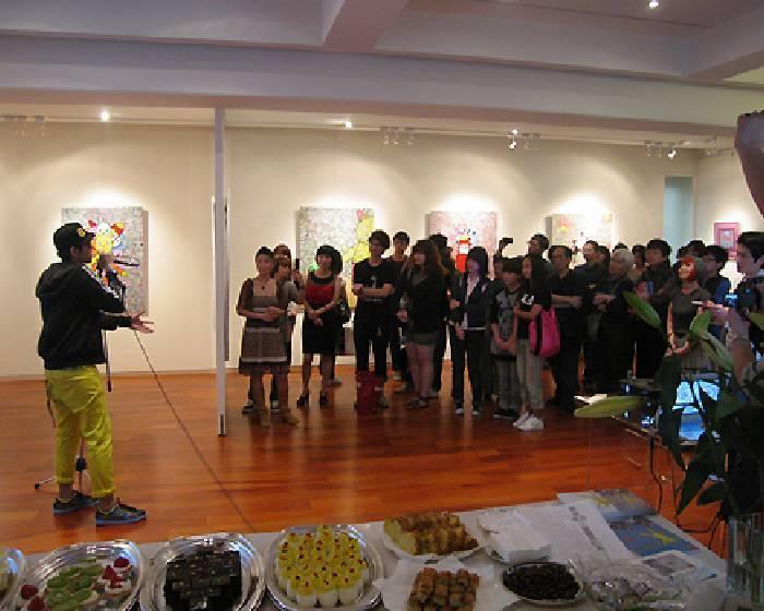 形而上畫廊【Eddie Bear®】 姜錫鉉和他的熊影片