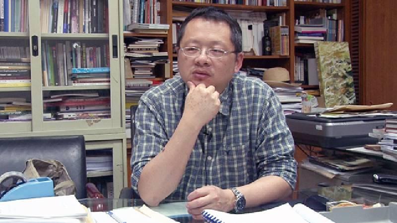 劉錫權認為,教育資源有限,學系的課程不太能視就業需求包山包海。