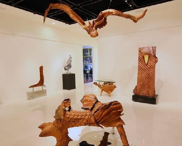 印象畫廊【木的可能.雕的想像】梁平正個展