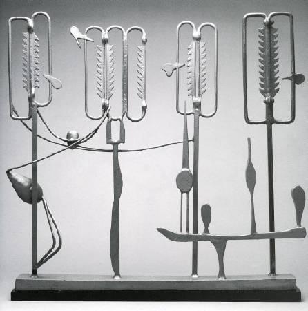David smith,《ancient household》,1945。圖/取自wikiart。