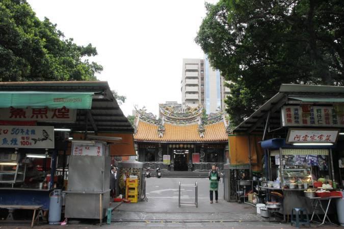 台北當代藝術中心旁慈聖宮。圖/非池中藝術網攝。