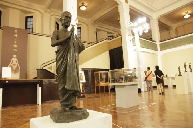 向大師致敬─臺灣前輩雕塑11家大展。圖/非池中藝術網攝。