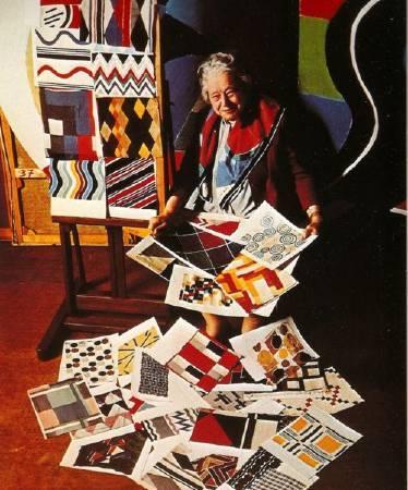 索妮亞.德洛內與她的作品。圖取自Pinterest。