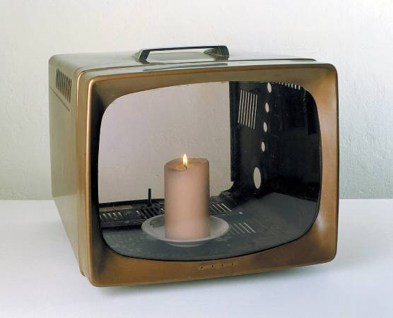 白南準《蠟燭電視》|Nam June Paik, Candle TV