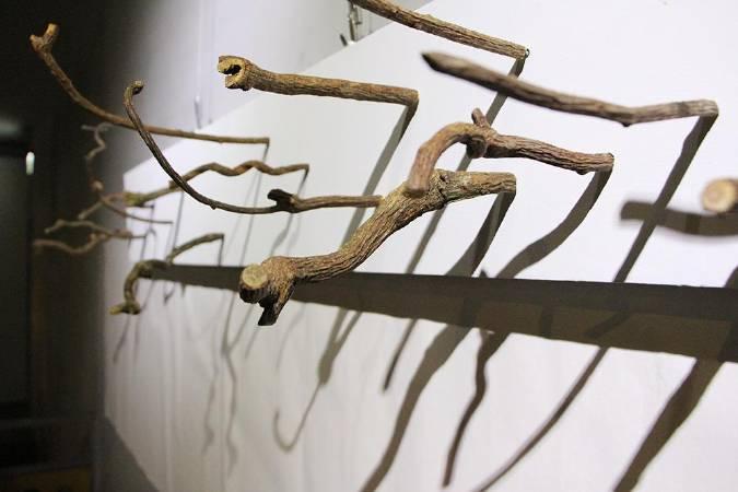 施彥君「無動 而有舞蹈的神形」。圖/非池中藝術網攝。