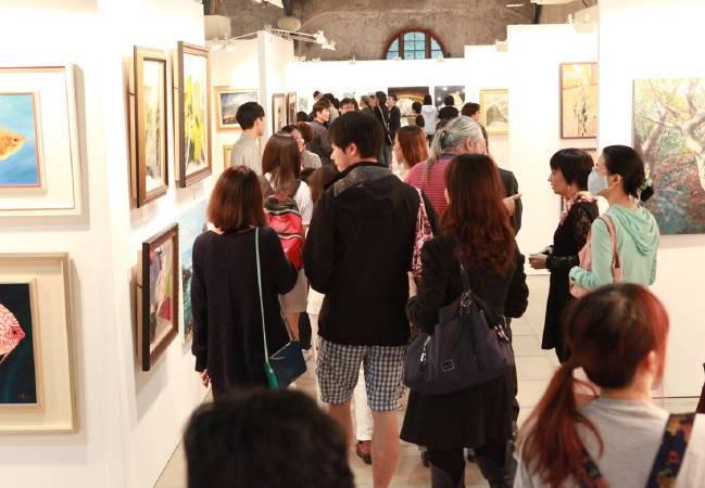 台灣輕鬆藝術博覽會力挺台灣本土藝術家,不需支付展位費,並首創美術館與網路雙預展及預售!