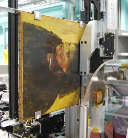 竇加(Edgar Degas)《仕女圖》(Portrait of a Woman)接受掃描。圖/取自The Guardian。