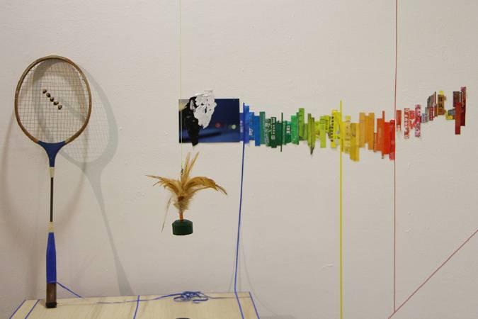片岡純也與岩竹理恵作品局部,模擬電蚊拍。圖/非池中藝術網攝。