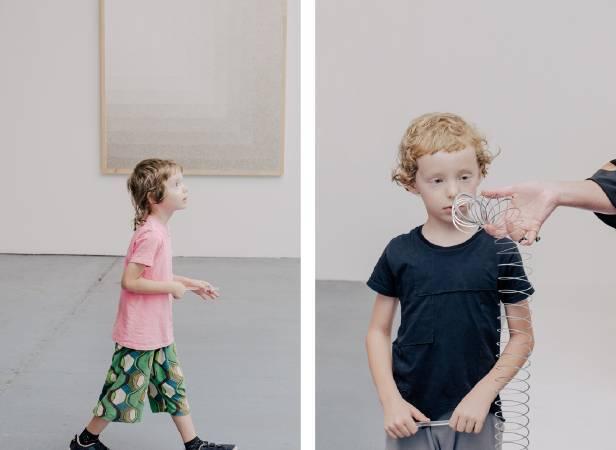 藝術家Tara Donovan的雙胞胎兒子。圖/取自artsy。