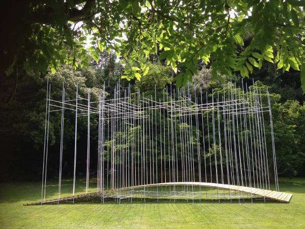 懸橋Suspension Bridge_陳宣誠%2F共感地景創作CHEN Xuan-Cheng+ArchiBlur Lab_木材、鐵件Wood, Steel_2016