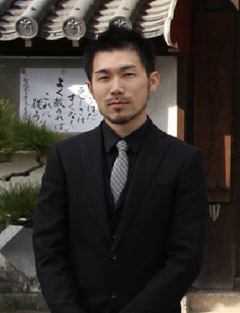 彭偉新,photo by. http://www.imavision.com.tw/ShowArtist.php?ITM1ID=69