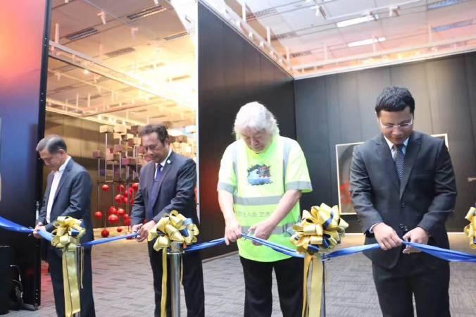 新加坡 僑福當代美術館 開幕剪綵