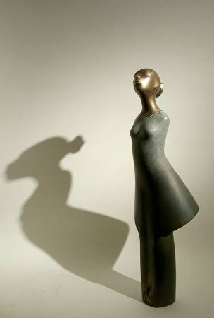 Khaled Zaki《The Daughter》Bronze 24×24×75cm 2016 埃及