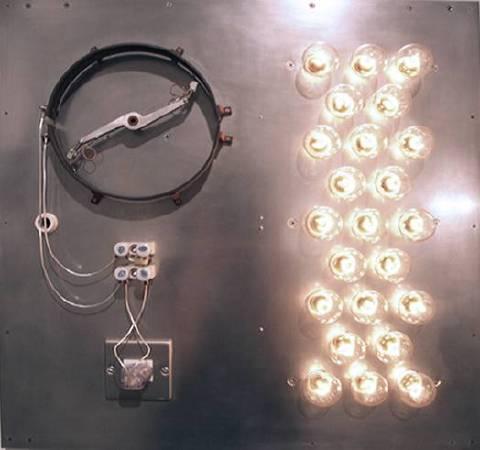 田村悟《Point of Contact for 23 Incandescent Lamps #4》