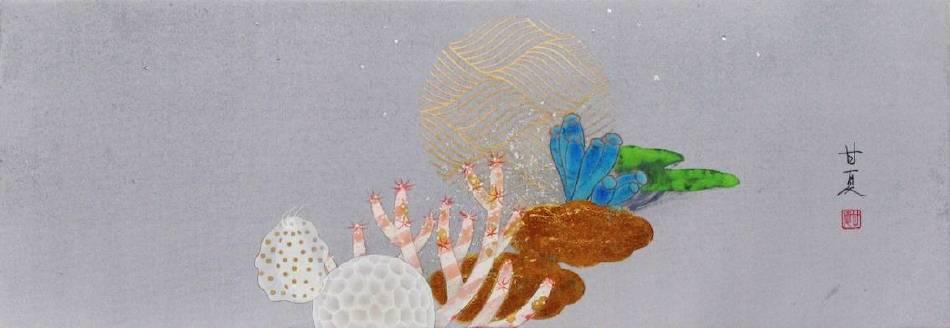蒼野甘夏 作「Moonlight Serenade」日本畫(天然礦物的粉,膠質,和紙,木板)WSM(h15.8 x45.4cm)2014年