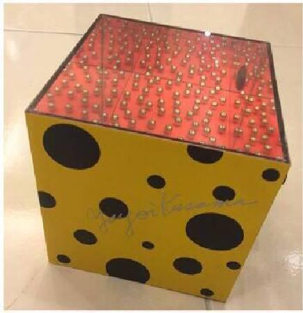 草間彌生|萬花筒|14x14x14cm |複合媒材 |2001