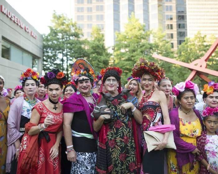 千人響應卡蘿扮裝節 人數可望破世界紀錄
