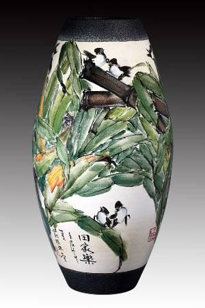 莊桂珠 《田家樂》 2012  高62公分  彩瓷
