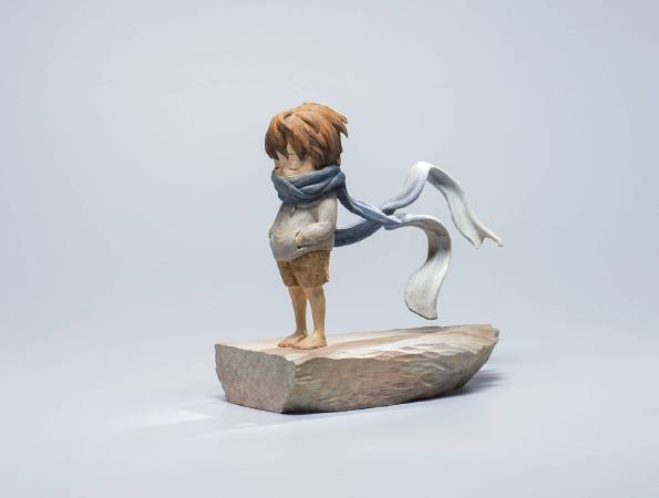 劉欣宜 (LIU Shinyi), 餘溫2 (Something Warm Left 2), 33x32x16.5cm,2017 ,香樟木、油畫顏料、色鉛筆(Camphor wood, Oil paint, Color penci)。