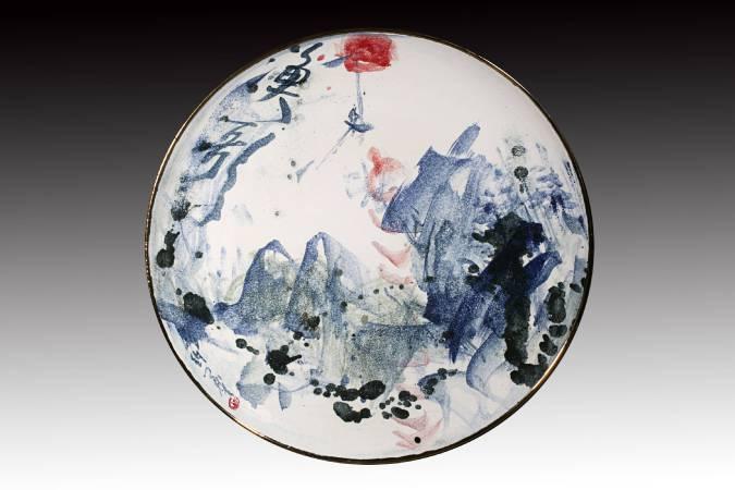 戚維義  《漁歌》 2015  直徑53cm  瓷土、彩繪