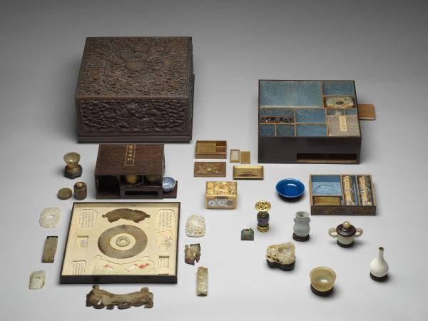 第一單元打開藏寶箱:雕紫檀蟠龍方盒百什件