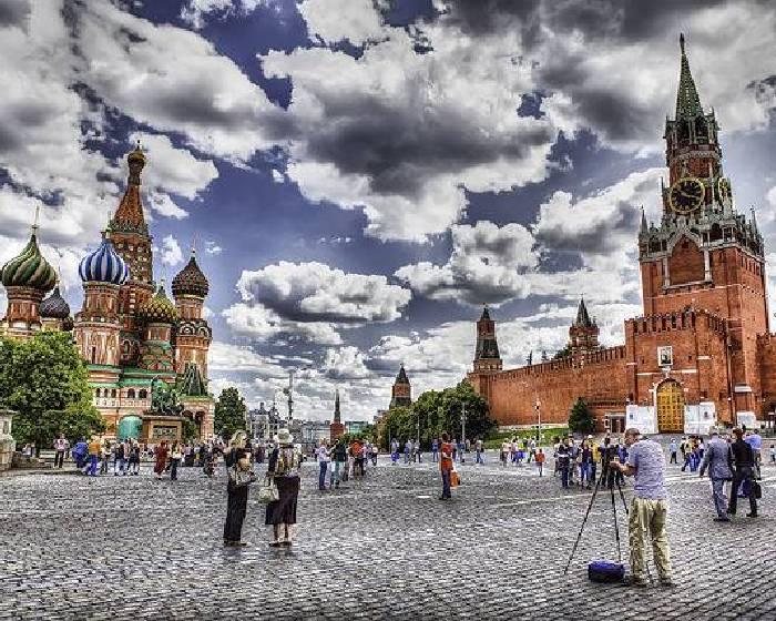 切掉耳垂! 俄國藝術家抗議政府濫權