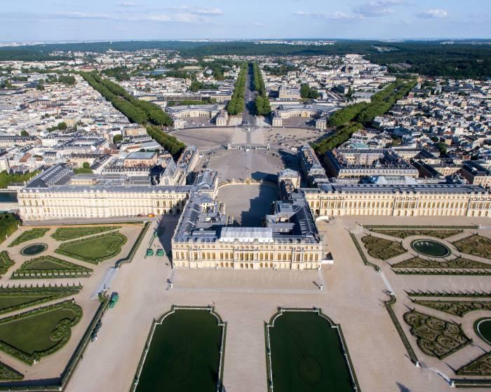凡爾賽宮的骯髒角落?  一位皇后的陰道