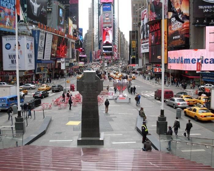 在紐約電話亭聆聽70位移民的故事