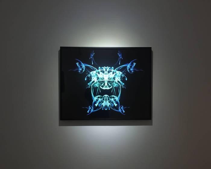疊藝術:【范格斯攝影雙城展】 「煙」台北 Telling Arts | 疊藝術