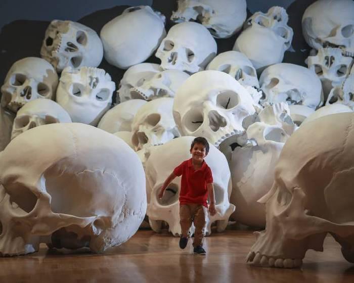 100個骷髏 澳洲美術館三年展開啟古今對話