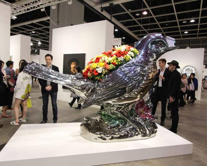 香港巴塞爾預展首日嘉賓湧現   重點展品現場觀察
