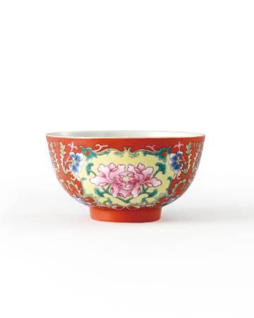 Lot 1023清道光 珊瑚紅地纏枝花卉紋碗