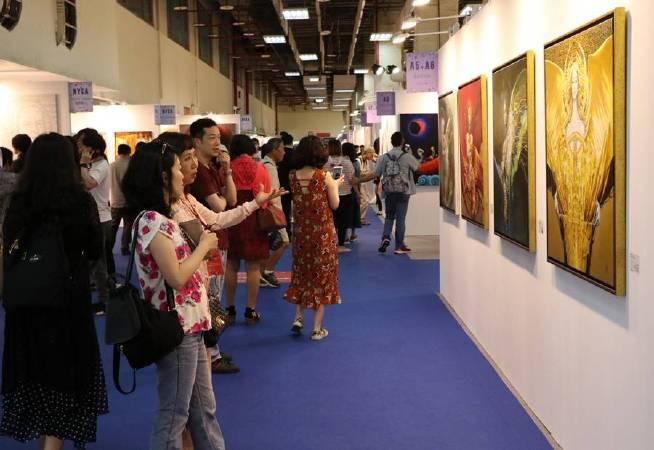 台北新藝術博覽會將藝術推廣至一般民眾的家裡,將藝術與生活合而為一。