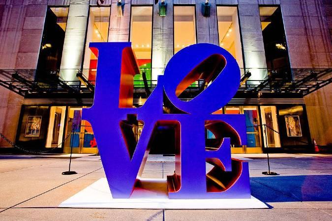 LOVE裝置雕塑。圖/取自wikipedia