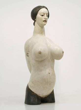藝術家:小鉢公使 標題:Territory     尺寸:82 * 27 * 32 cm 年代:2012 材質:樟木