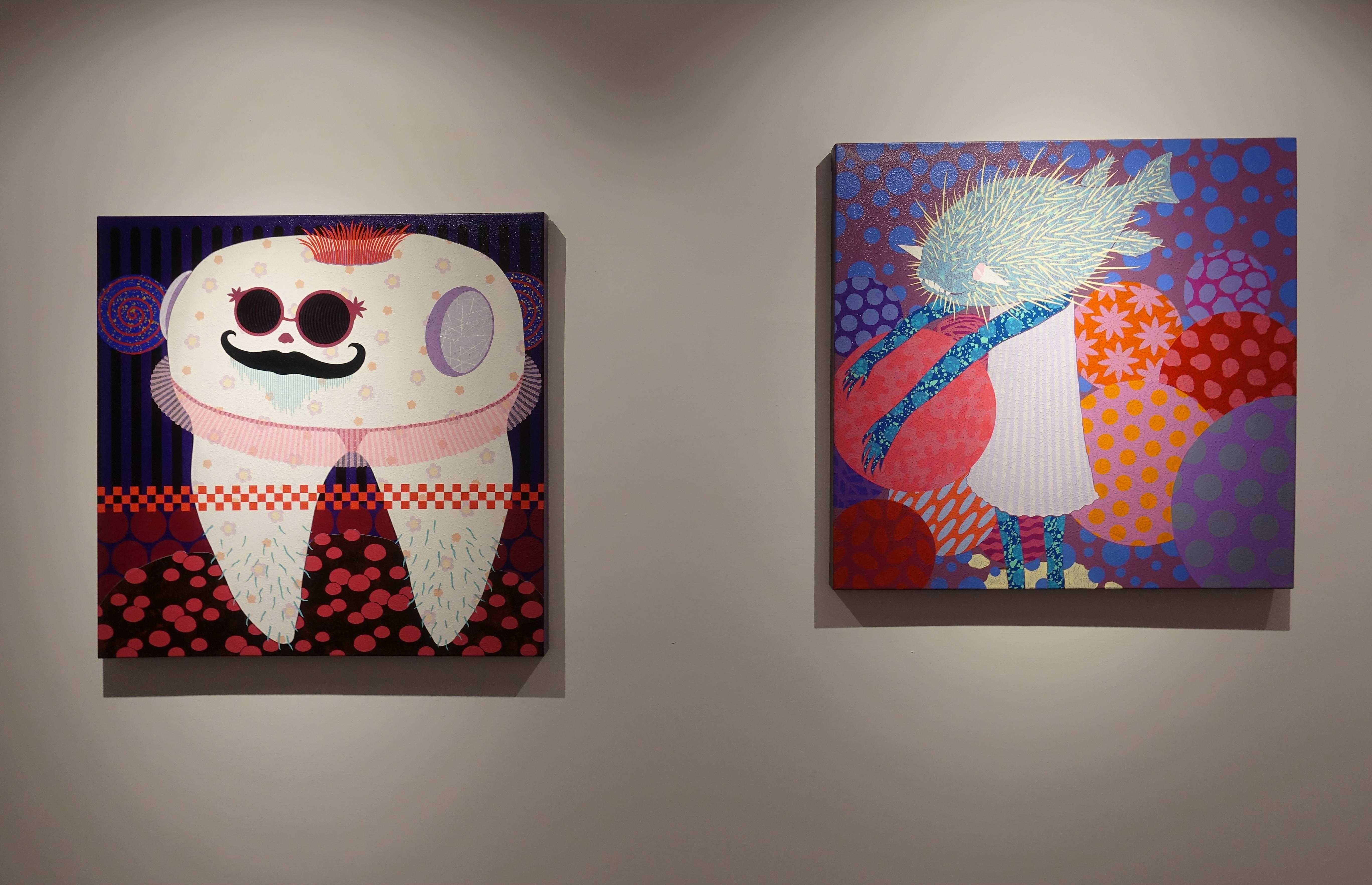 廖堉安,《胖叔的春天Spring of Fat Uncle》,壓克力、畫布,80x80 cm,2017(左)。廖堉安,《膽小鬼進行曲Coward》,壓克力、畫布,80x80 cm,2015(右)。