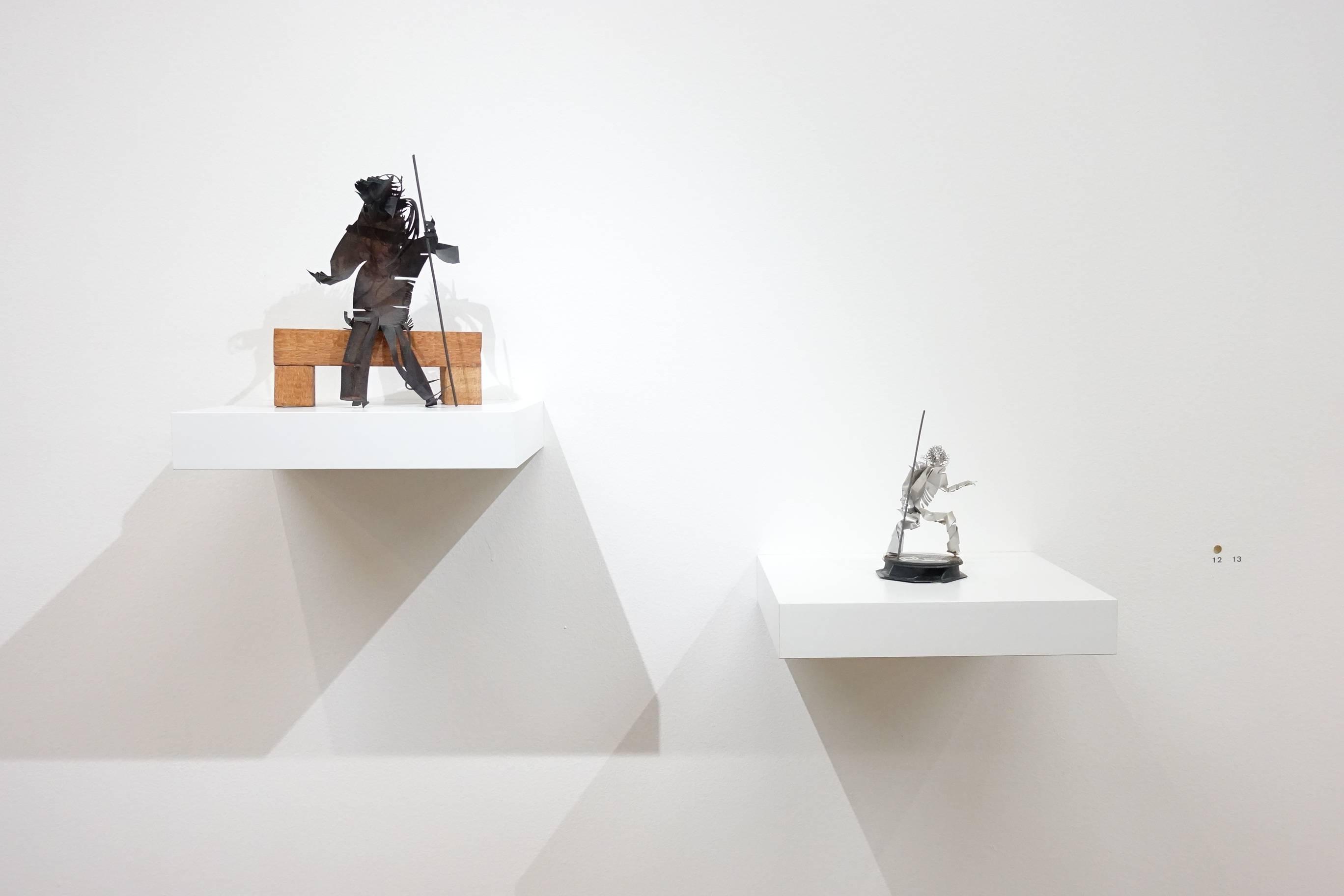 左:夏陽,持杖坐者,1990年;右:夏陽,持杖者,1990年後。
