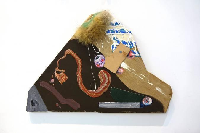 卓卉芹 CHO, Hui-Chin_她的救星 Her Salvation_壓克力彩、油彩、皮革、木板Acrylic, Oil, leather on wooden board_65x45.5cm (15號)_2018