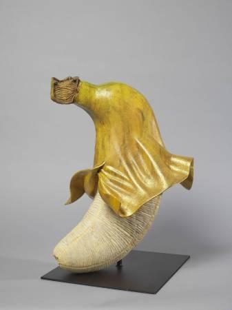 編號:10612-005  名稱:香蕉姊姊 2  尺寸:34 * 33 * 49 cm 質材:樟木 年代:2017