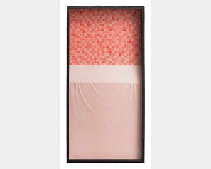 杭春暉-日常系列-紅馬賽克和淺紅桌面