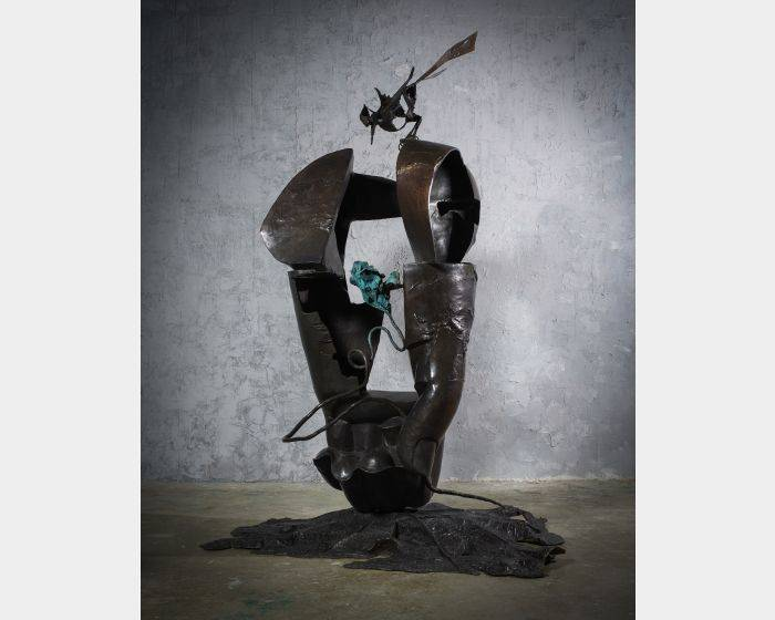 李光裕-探春 Visiting Spring 156x127x240cm,Bronze,2015