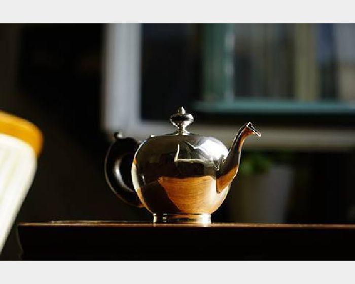 球型銀茶壺