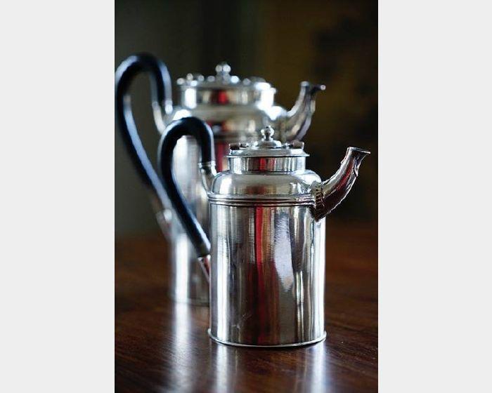 銀茶壺一對