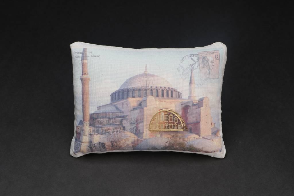 張雅婷 - 帶著鐵窗去旅行-伊斯坦堡