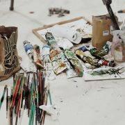 藝術家專訪|陳治宇:油彩畫裡的台灣指南,捕捉氛圍的雨都騎士