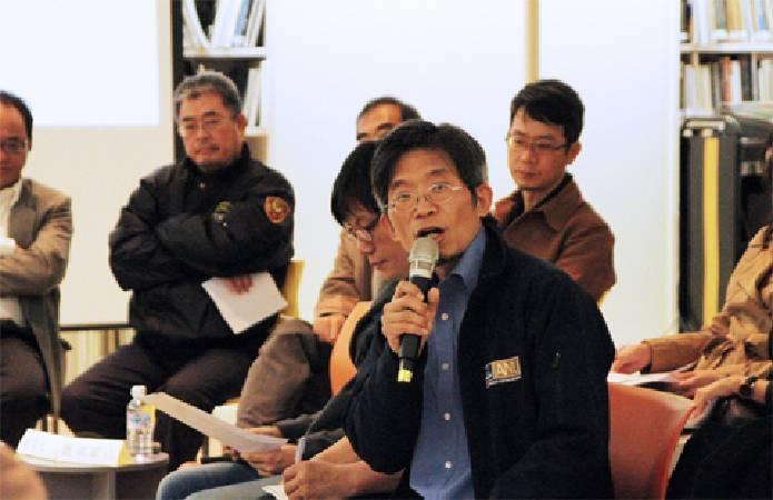 台灣藝術大學廖新田老師,呼籲北美館應有折衷方案化解僵局。