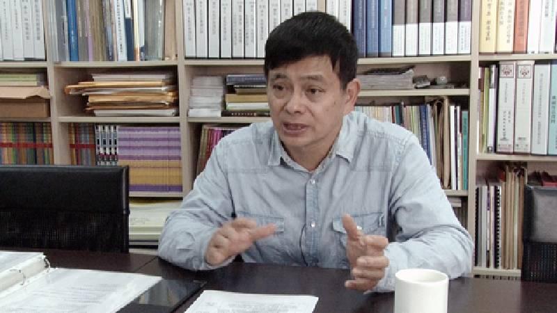 葉俊顯認為,學校必須協助學生認清社會現實。