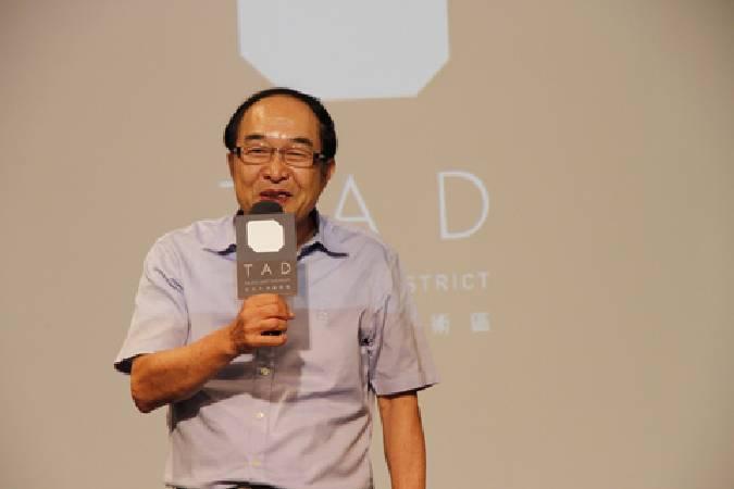 亞洲藝術中心負責人李敦朗。圖/非池中藝術網攝。