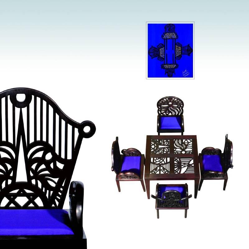 以李善單教授畫作中的請坐系列為藍本,純手工打造藝術家具