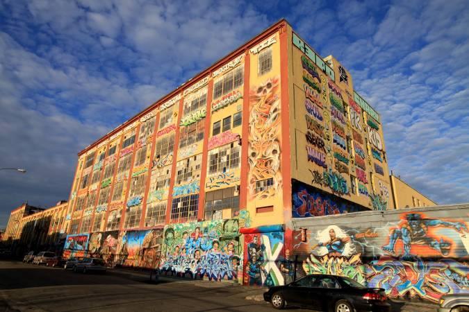 塗鴉聖地5Pointz榮景。圖/取自Wikipedia。